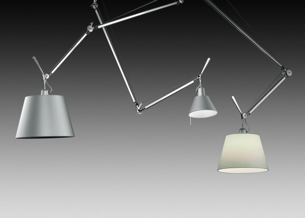 Lampada da sospensione tolomeo decentrata di artemide in alluminio